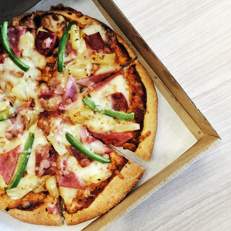 Greenwich Hawaiian Overload Pizza-iamkimcharlie03